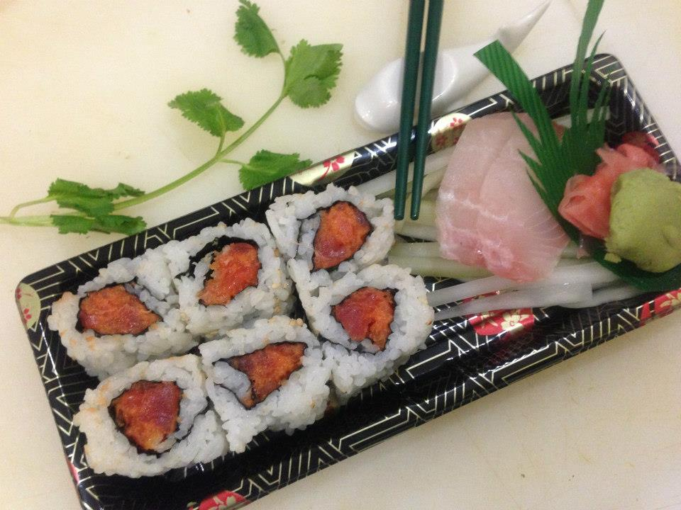 Spciy Tuna Roll & Red Snapper Sashimi