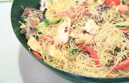 Chicken Singapore noodle